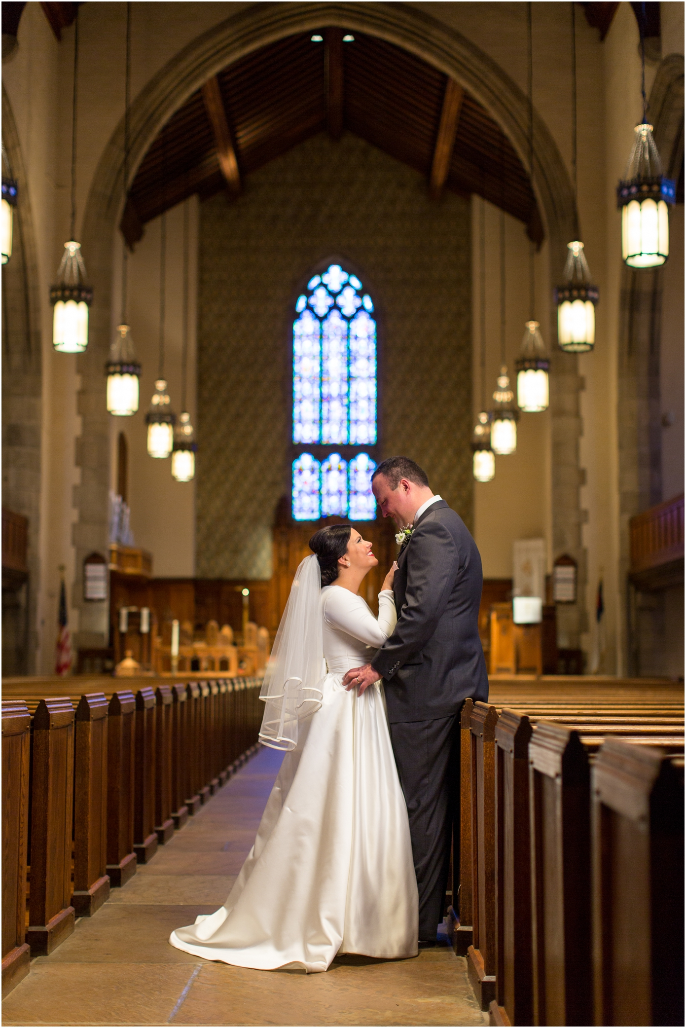Knoxville wedding at church street united methodist church for Wedding dresses knoxville tn
