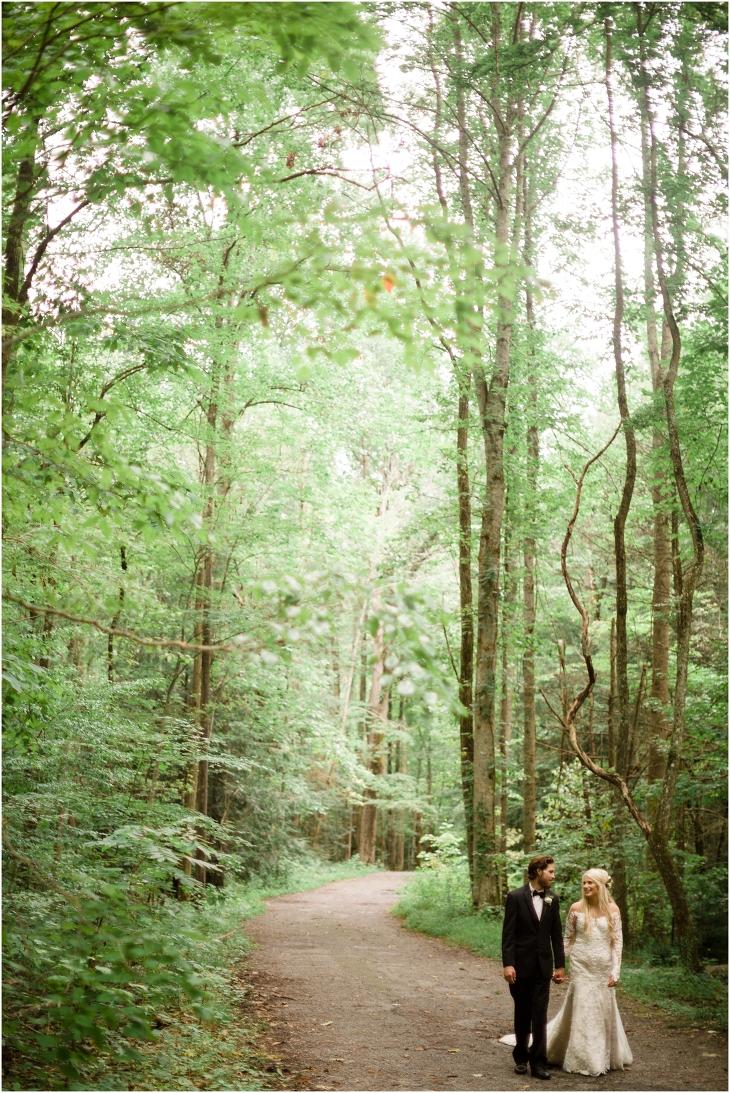 photographer spence cabin wedding