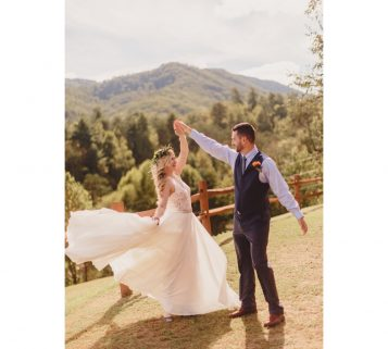 Moose Hollow Lodge Sevierville Wedding